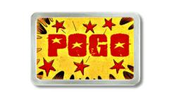 Gürtelschnalle mit rotem Pogo Schriftzug auf gelbem Grund