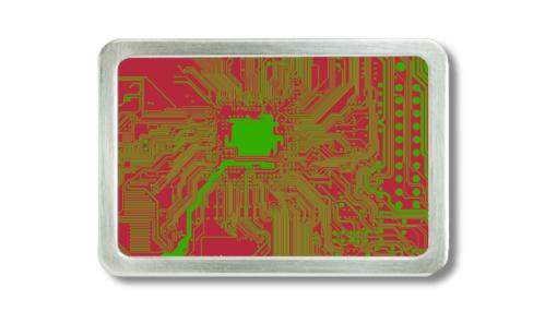 Gürtelschnalle mit Motiv von einem Motherboard auf ritem Grund.